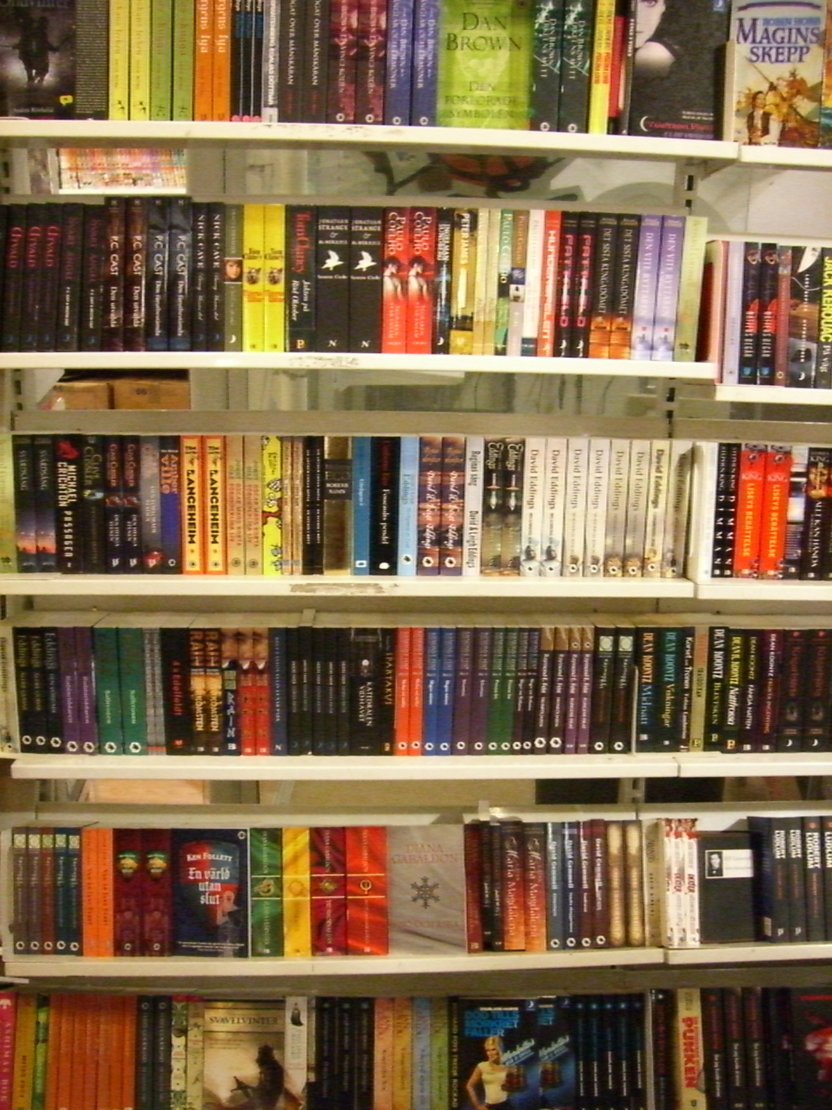A Bunch Of Fantasy Books In Swedish I See David Eddings, Robin Hobb, And Pc  Cast For Starters